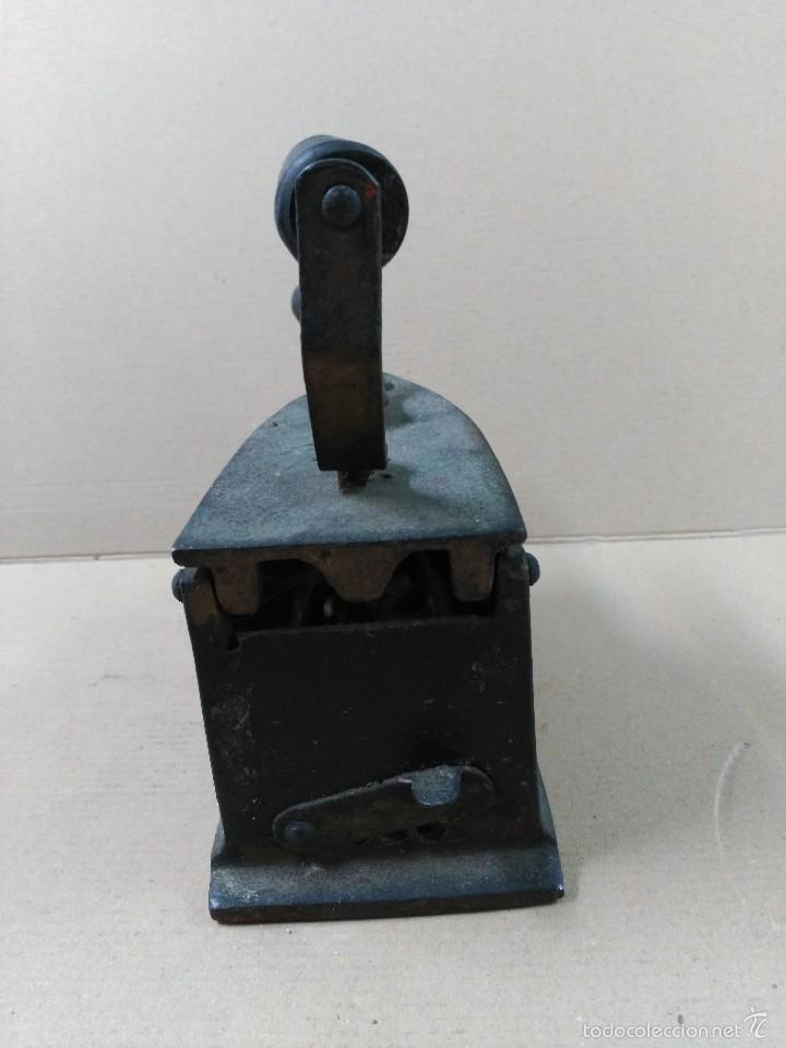 Antigüedades: Plancha de hierro de carbon - Foto 2 - 56813356