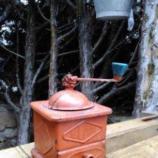 Antigüedades: BONITO MOLINILLO DE CAFE ANTIGUO ELMA, DE CHAPA.. Lote 56832573