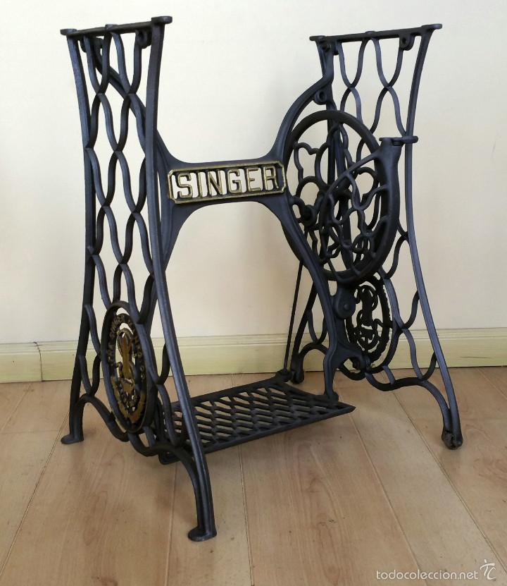 Antiguo pie de máquina de coser singer - Vendido en Venta