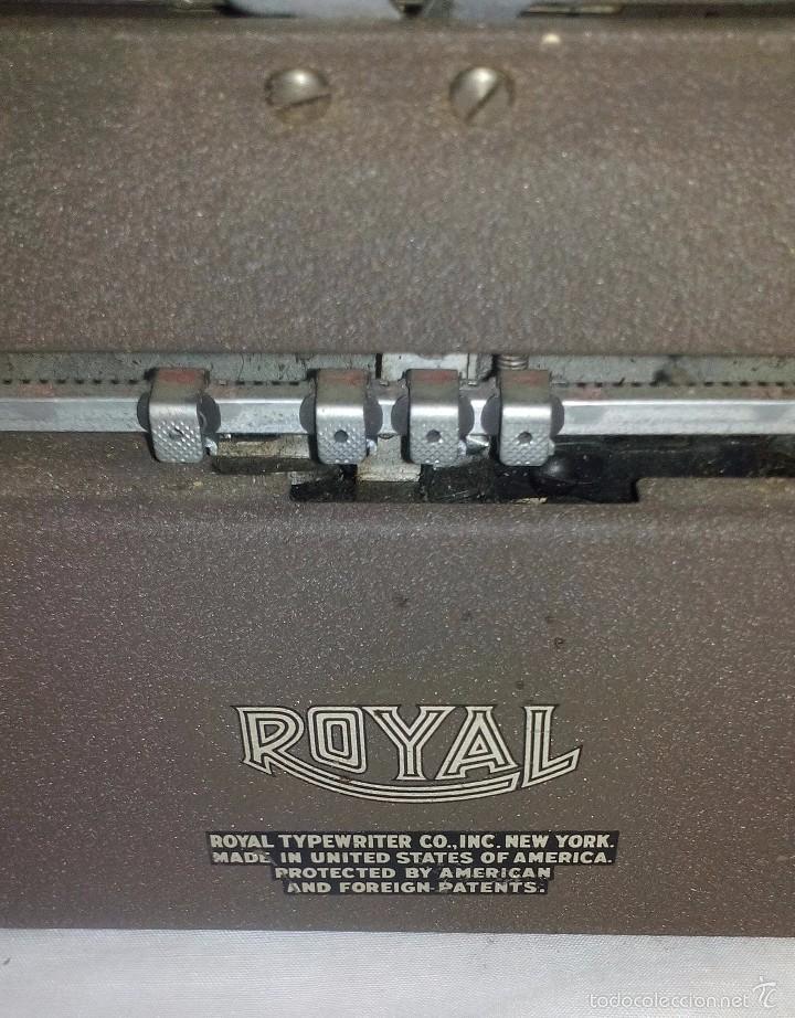 Antigüedades: Antigua Maquina de Escribir Royal Quiet De Luxe Portatil - Foto 2 - 56906892