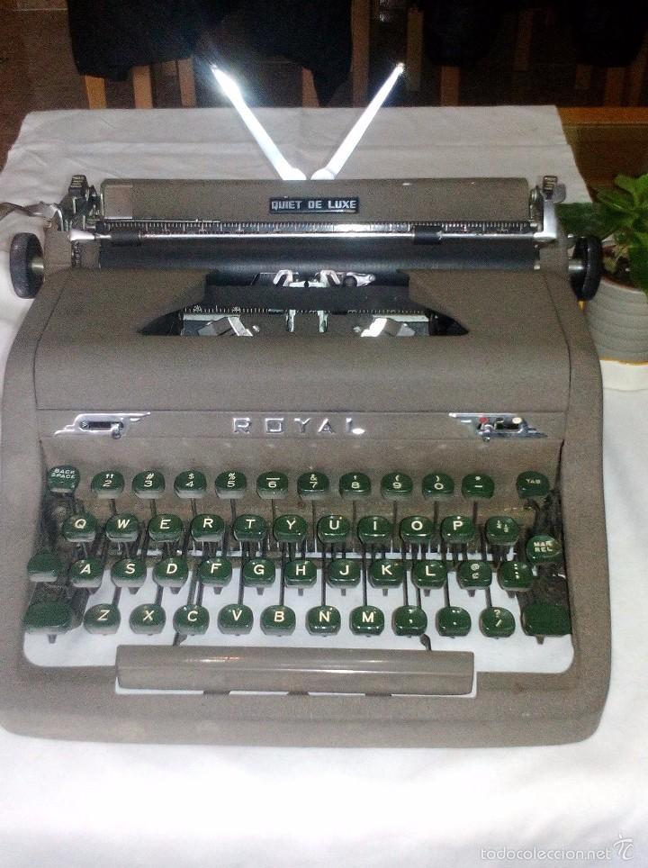 Antigüedades: Antigua Maquina de Escribir Royal Quiet De Luxe Portatil - Foto 3 - 56906892