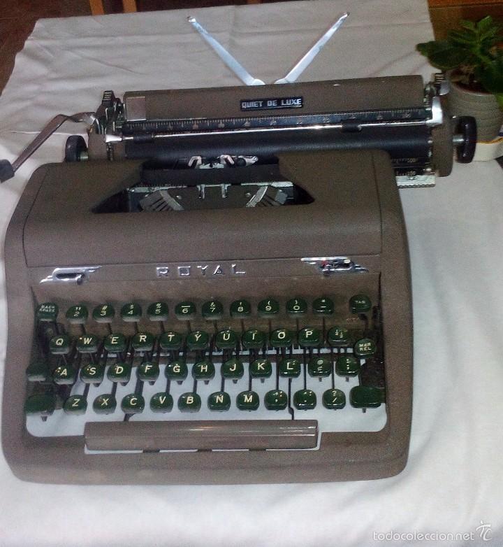 Antigüedades: Antigua Maquina de Escribir Royal Quiet De Luxe Portatil - Foto 4 - 56906892