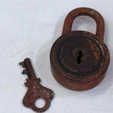 Antigüedades: CANDADO REDONDO ANTIGUO CON LLAVE. Lote 56987102