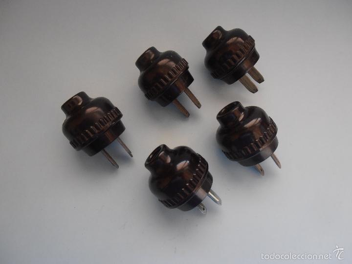 5 ENCHUFES REDONDOS NEGROS BAQUELITA PLANOS ANTIGUOS #AA-R (Antigüedades - Técnicas - Herramientas Profesionales - Electricidad)