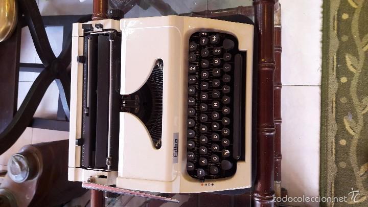Antigüedades: maquina de escribir con funda erika - Foto 5 - 57093169