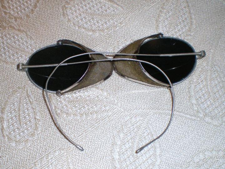 Antigüedades: Anteojos gafas de sol muy antiguas con rejilla desplegable - Foto 3 - 57137199
