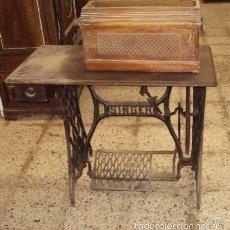 Antigüedades: ANTIGUA MÁQUINA DE COSER SINGER. Lote 57253682