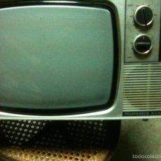 Antigüedades: TELEVISOR TELEFUNKEN MODELO BAHIA. Lote 57256755