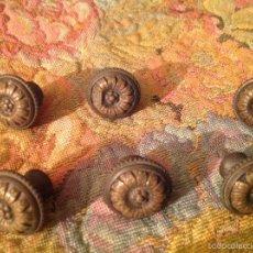 Antigüedades: JUEGO DE 6 TIRADORES EN BRONCE SXIX. Lote 57265047