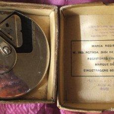 Antigüedades: AFILADOR DE CUCHILLAS 1930 KRISS KROSS SAFETY BLADE (RHODES) ESTROPEADO. Lote 57297450