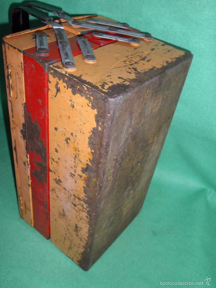 Antigüedades: CURIOSA ANTIGUA CAJA HERRAMIENTAS MINI FRANCIA METAL RARO TAMAÑO BICOLOR USO DECORACION INDUSTRIAL - Foto 7 - 57377614