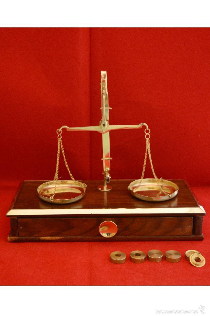 PRECIOSA BALANZA DE PRECISIÓN DE BIRMANIA CON JUEGO DE PESAS EXCLUSIVO (Antigüedades - Técnicas - Medidas de Peso - Balanzas Antiguas)