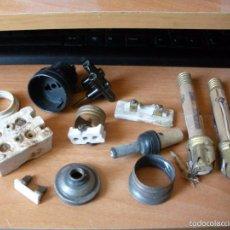 Antigüedades: LOTE DE ANTIGUOS REPUESTOS DE ELECTRICIDAD. Lote 57446146