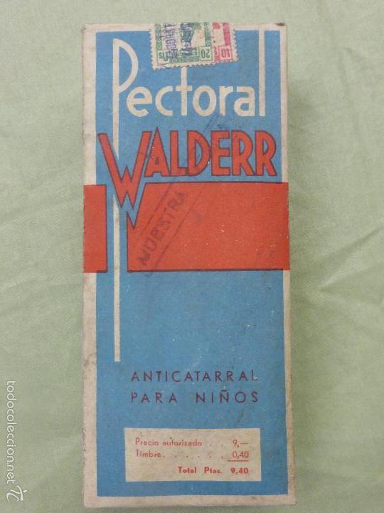 Antigüedades: ANTIGUA BOTELLA MEDICAMENTO PECTORAL WALDERR LABORATORIOS VALDERRAMA.PRECINTADA-FARMACIA-AÑOS 20 - Foto 2 - 57477903