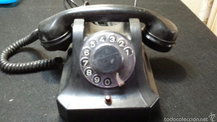 ANTIGUO Y PRECIOSO TELÉFONO AÑO 56 ORIGINAL (Antigüedades - Técnicas - Teléfonos Antiguos)