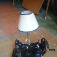 Antigüedades: MAQUINA DE COSER LAMPARA. Lote 57593592