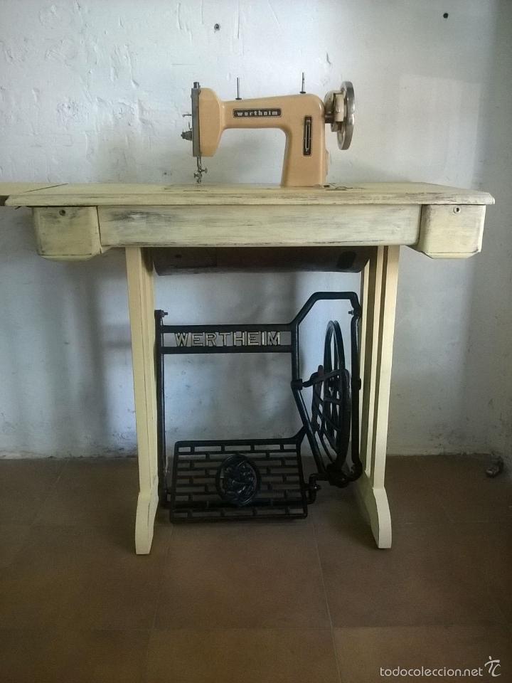 Antigüedades: Maquina de coser , patas madera y hierro, biela de madera - Foto 3 - 57616085