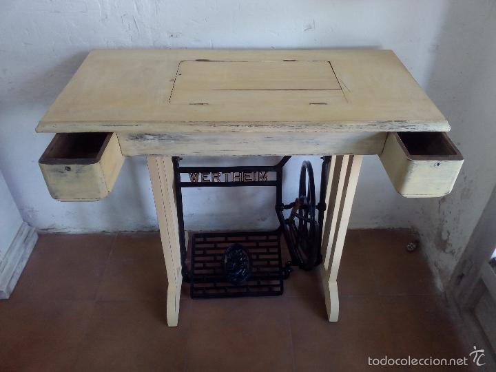 Antigüedades: Maquina de coser , patas madera y hierro, biela de madera - Foto 4 - 57616085