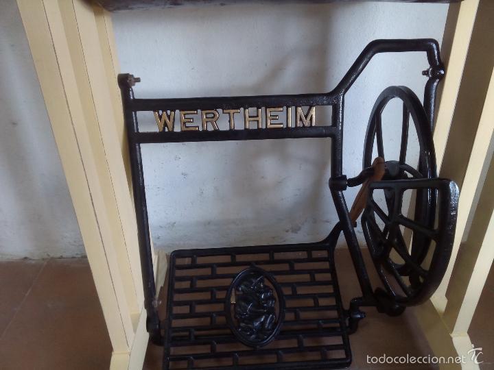 Antigüedades: Maquina de coser , patas madera y hierro, biela de madera - Foto 5 - 57616085