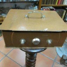 Antigüedades: CAJA FUERTE APROX 1960 - 30X24X11.50 CM, DE CLAVE, FALTA LLAVE 5 KILOS + INFO. Lote 57681324
