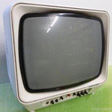 Antigüedades: TELEVISOR TELEVISIÓN KOLSTER BLANCO VINTAGE RETRO AÑOS 60 ESTILO SPACE ACE - MODELO RARO. Lote 57688009