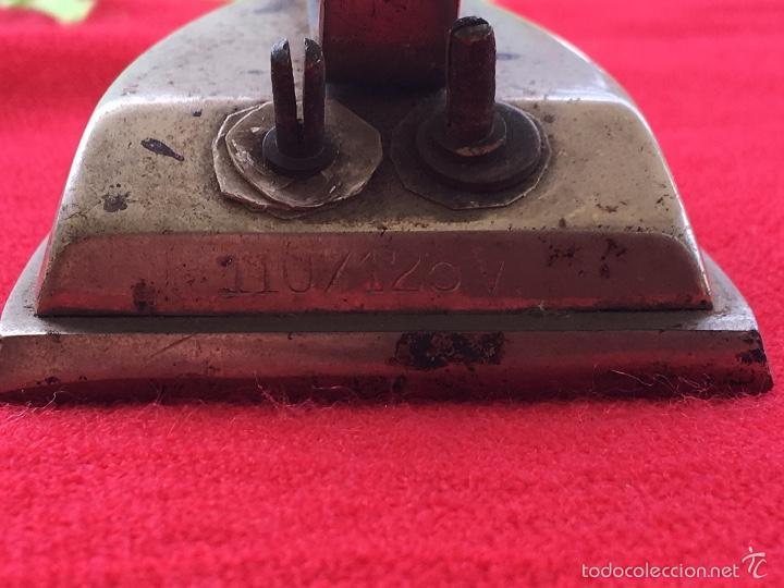 Antigüedades: Plancha de viaje años 30 electrica - Foto 8 - 57740537