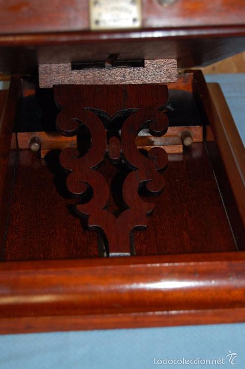 Antigüedades: VISOR DE MESA ESTEROSCÓPICO DE SOBREMESA EN MADERA DE CAOBA - Foto 9 - 57774617