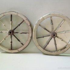 Antigüedades: LOTE DE 2 RUEDAS DE MADERA. Lote 194895770