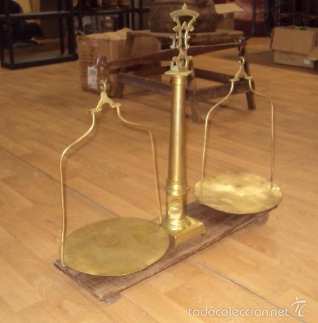 Antigüedades: antigua balanza de farmacia bronce laton y forja - Foto 2 - 57827493