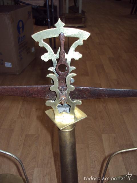 Antigüedades: antigua balanza de farmacia bronce laton y forja - Foto 4 - 57827493