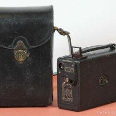Antigüedades: CAMARA DE CINE KODAK MODELO B. 16 MM. FUNDA ORIGINAL. MADE IN USA. 1923.. Lote 57985413