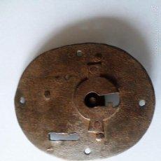 Antigüedades: CERRADURA DE ARCA FORJADA. Lote 55345672