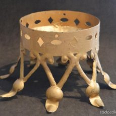 Antigüedades: ANTIGUA BASE PIE PEANA DE MACETERO EN FORJA EN FORMA CORONA. Lote 57995150