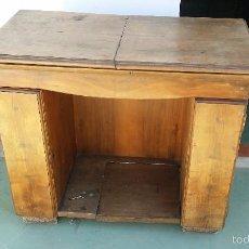 Antigüedades: MUEBLE MAQUINA DE COSERA SINGER. Lote 58004653