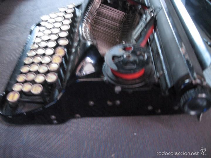 Antigüedades: Pequeña maquina de escribir antigua Corona Four - Funcionando . buen estado - Foto 3 - 257646660