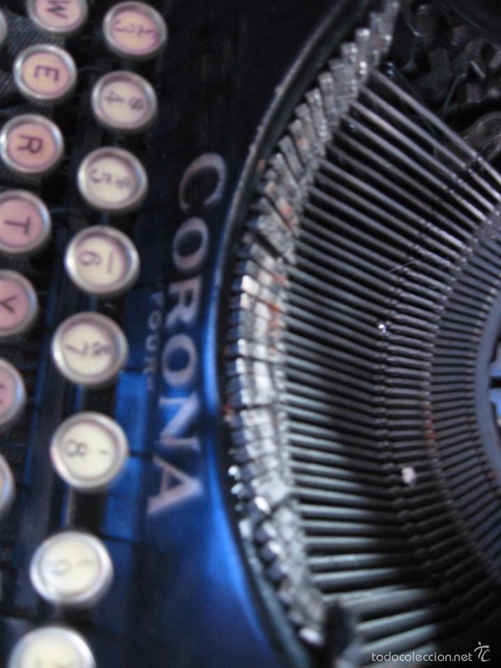 Antigüedades: Pequeña maquina de escribir antigua Corona Four - Funcionando . buen estado - Foto 4 - 257646660
