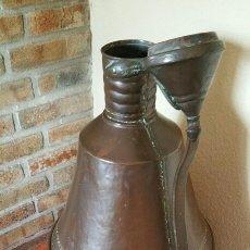 Antigüedades: CONJUNTO MUY ANTIGUO DE CALDERO + TINAJA. Lote 58078435