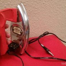 Antigüedades: ANTIGUA PLANCHA ELECTRICA DE VIAJE MARCA FUEGO MODELO 75 VINTAGE AÑOS 70. Lote 58078481
