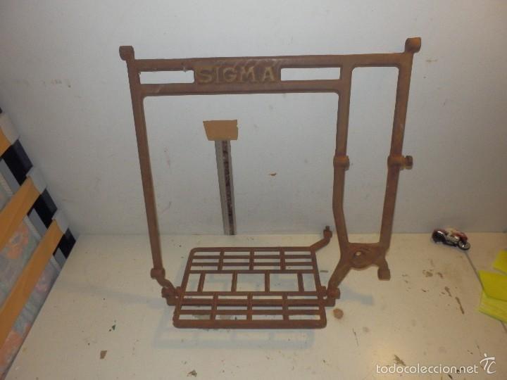 Antigüedades: pie de hierro fundido para maquina de coser sigma - Foto 5 - 58213723