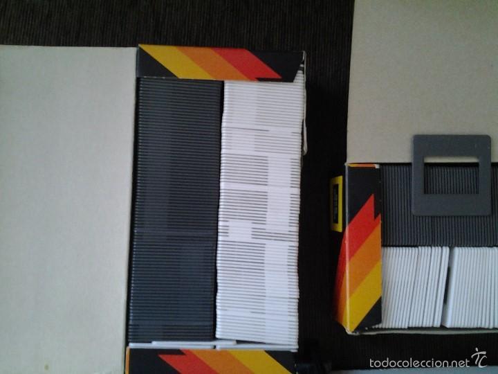 Antigüedades: REVUE 300 Proyector diapositivas + 11 carros para diaposit. + 200 soportes ( 2 cajas ) -- ver fotos - Foto 11 - 58215376