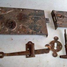Antigüedades: ANTIGUA CERRADURA DE HIERRO. Lote 58259599