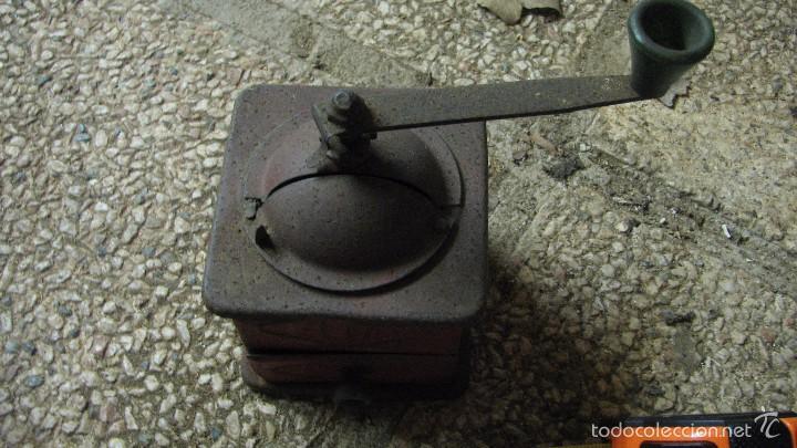 Antigüedades: Pequeño molinillo ELMA de color rojo - Foto 2 - 58467478