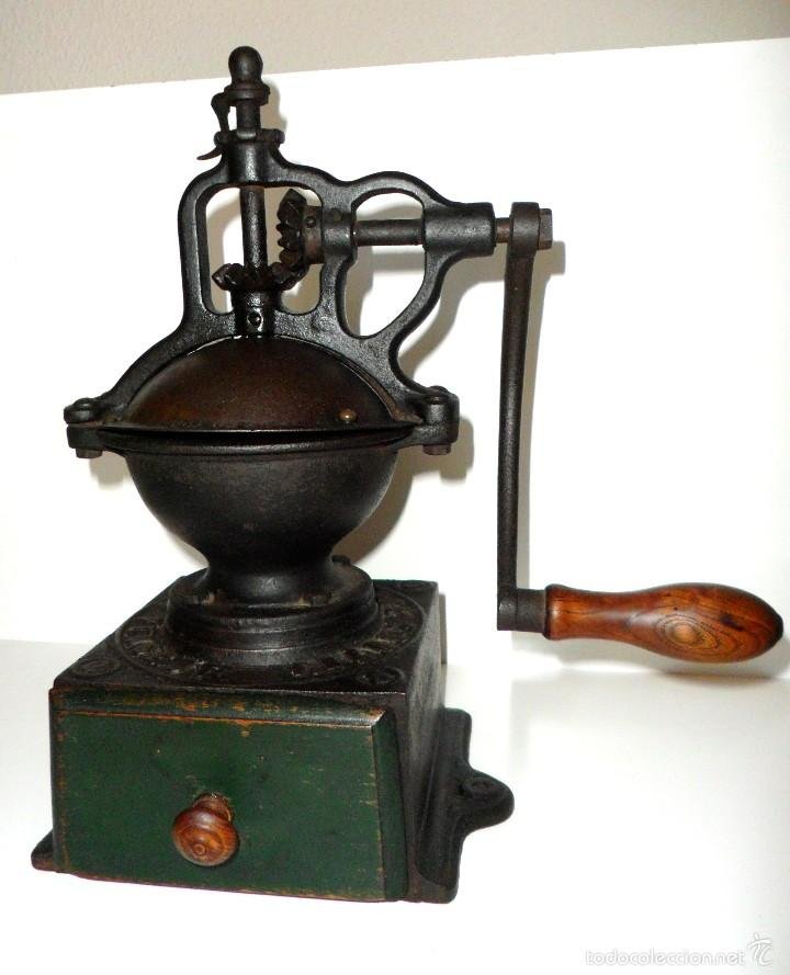 ANTIGUO MOLINILLO DE CAFÉ DE MANIVELA LATERAL, MARCA PEUGEOT, MODELO A-0. CA. 1879/1943 (Antigüedades - Técnicas - Molinillos de Café Antiguos)