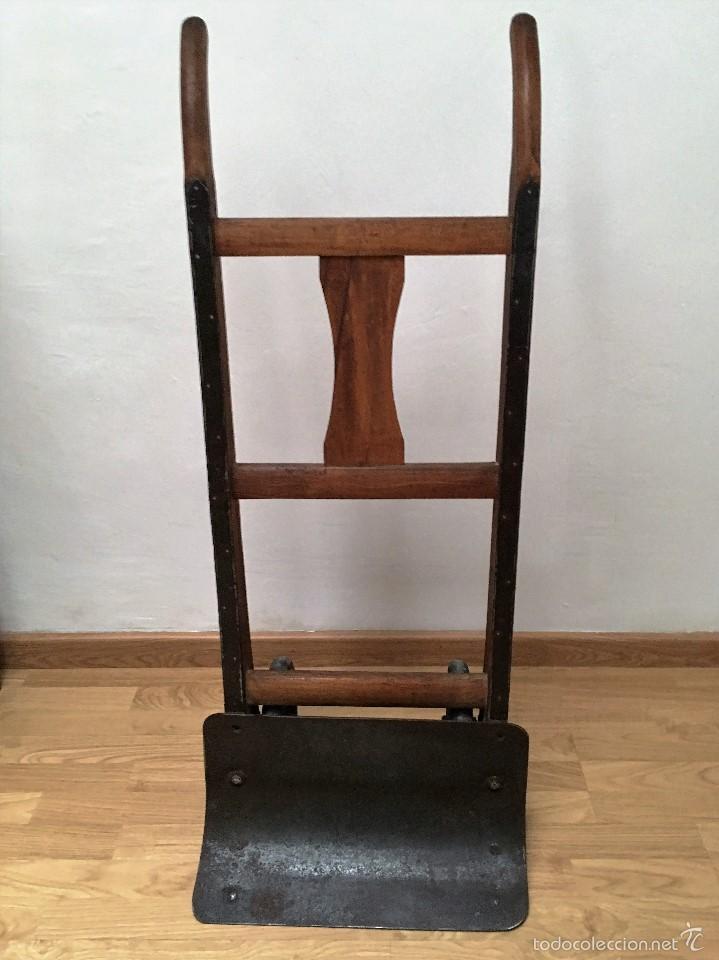 CARRETILLA ANTIGUA DE MADERA Y HIERRO (Antigüedades - Técnicas - Herramientas Antiguas - Otras profesiones)