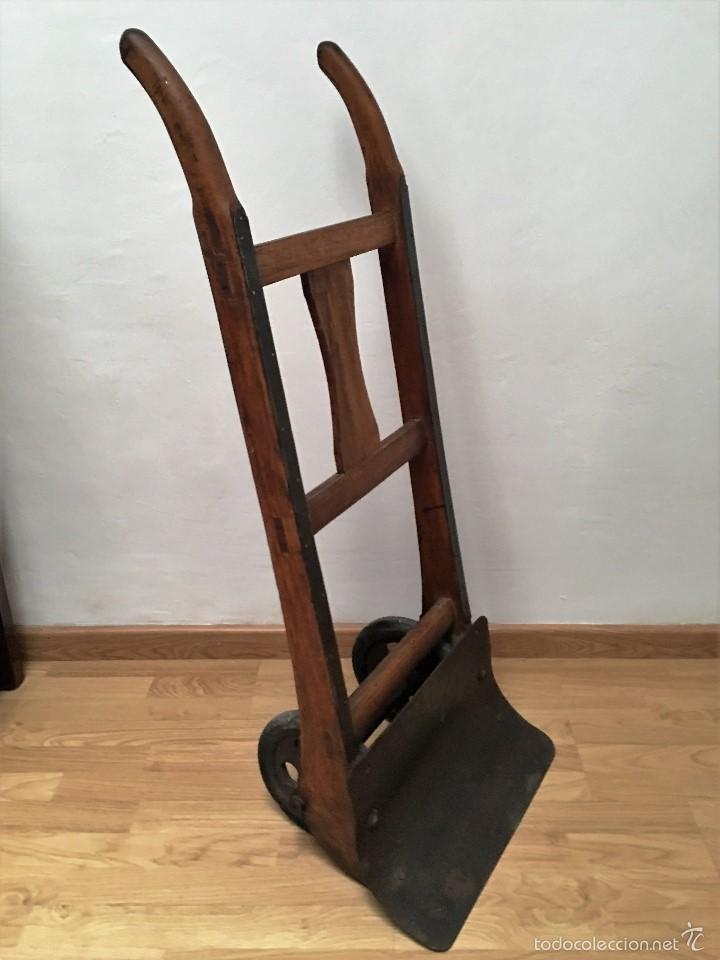 Antigüedades: carretilla antigua de madera y hierro - Foto 2 - 58564456