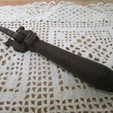 Antigüedades: BONITA ALDABA DEL SIGLO XVIII. Lote 58572013