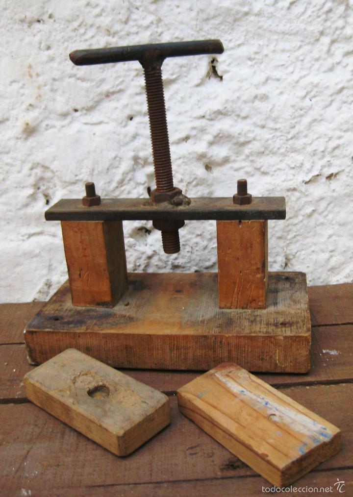 Bonita maquina antigua prensa en madera y hierr comprar for Sargentos de madera