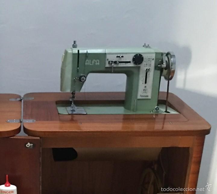MAQUINA DE COSER ALFA DE LOS AÑOS 60-70 (Antigüedades - Técnicas - Máquinas de Coser Antiguas - Alfa)