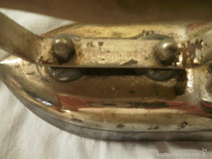 Antigüedades: PLANCHA ELECTRICA CON SOPORTE DE LOS AÑOS 50 - Foto 3 - 58612804