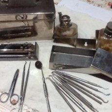 Antigüedades: CAJA METÁLICA MEDICO CON INSTRUMENTAL , DENTISTA. Lote 58667872